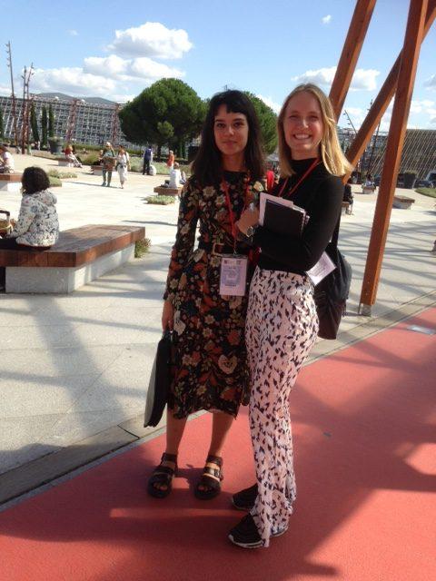 Rebecca-and-Jessica-arrive-at-Parc-des-Expositions-Paris-for-Maison-et-Objets